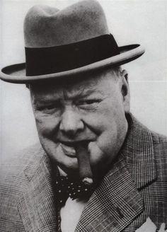 28b0a0fae20245742df665e13ca2da81--pipes-and-cigars-cigar-bar